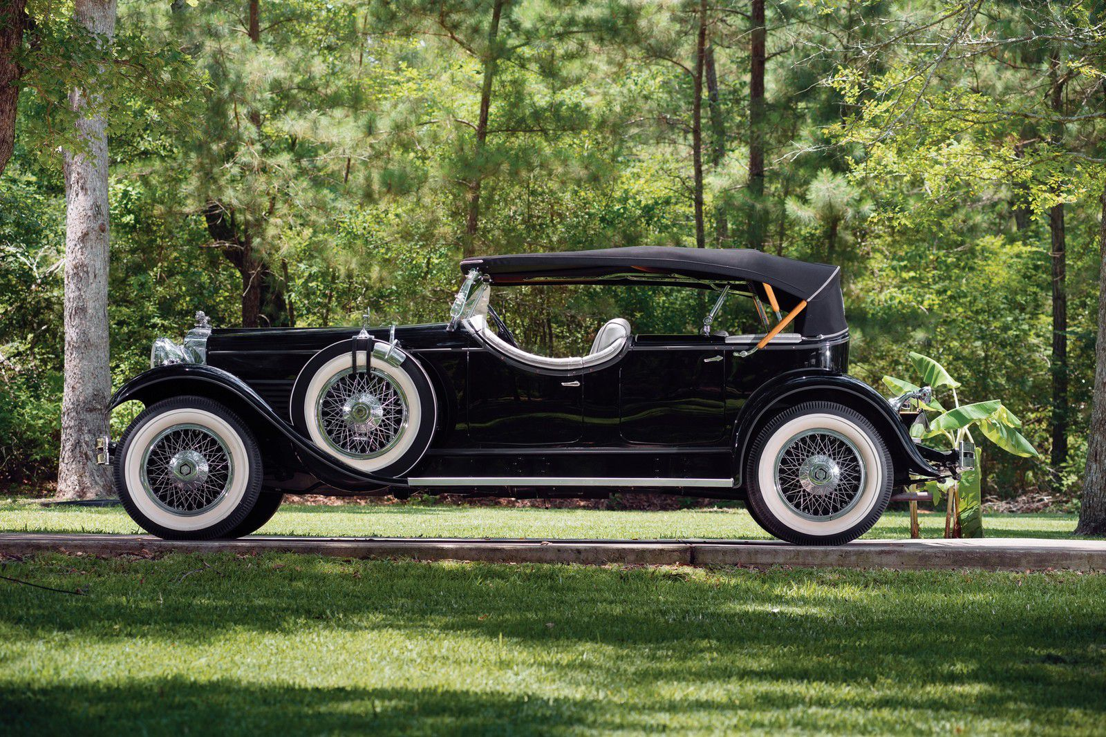 VOITURES DE LEGENDE (1162) : STUTZ MODEL M FOUR PASSENGER LeBARON SPEEDSTER - 1929