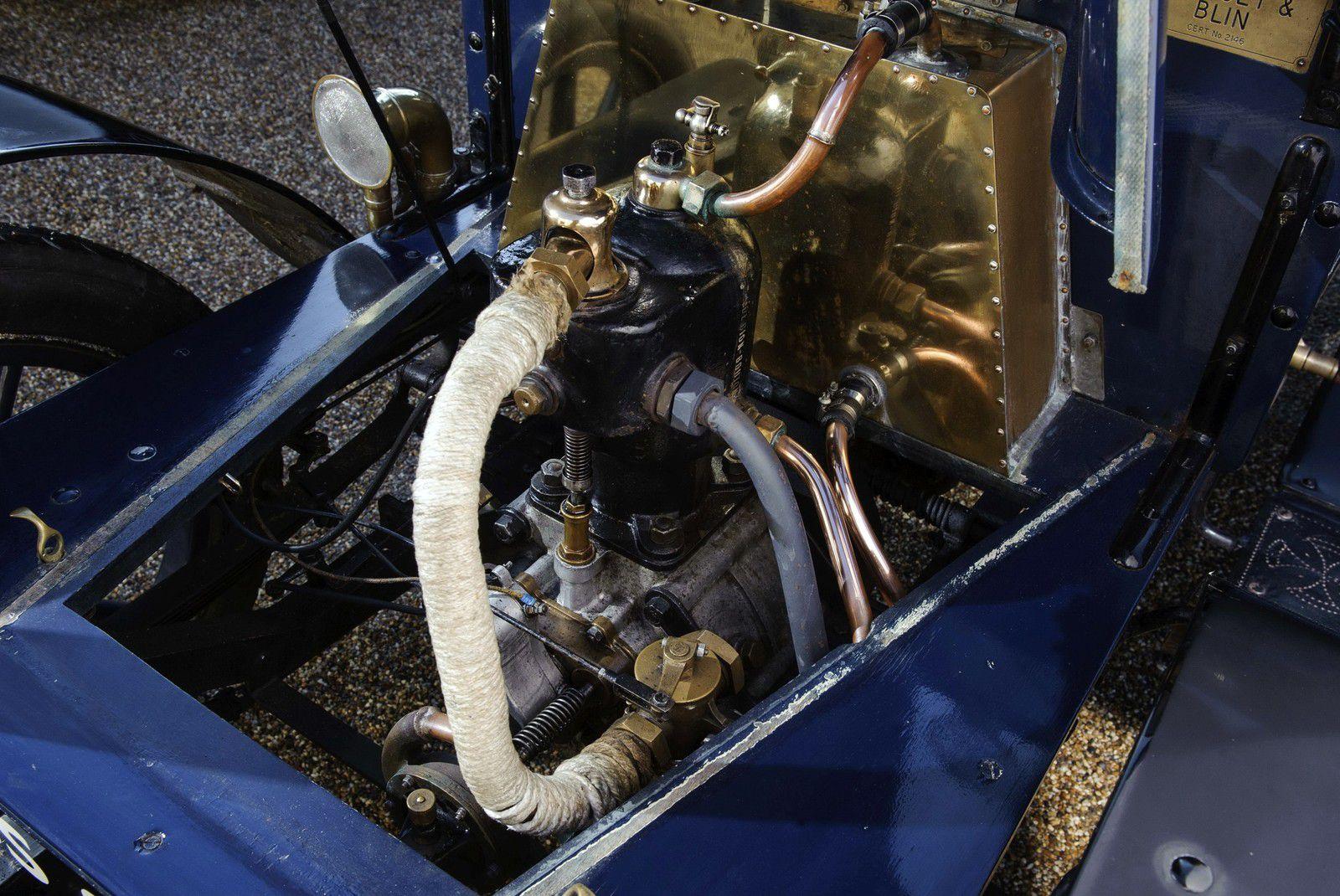 VOITURES DE LEGENDE (1174) : MALICET & BLIN  8HP FOUR SEATER  REAR ENTRANCE TONNEAU - 1903
