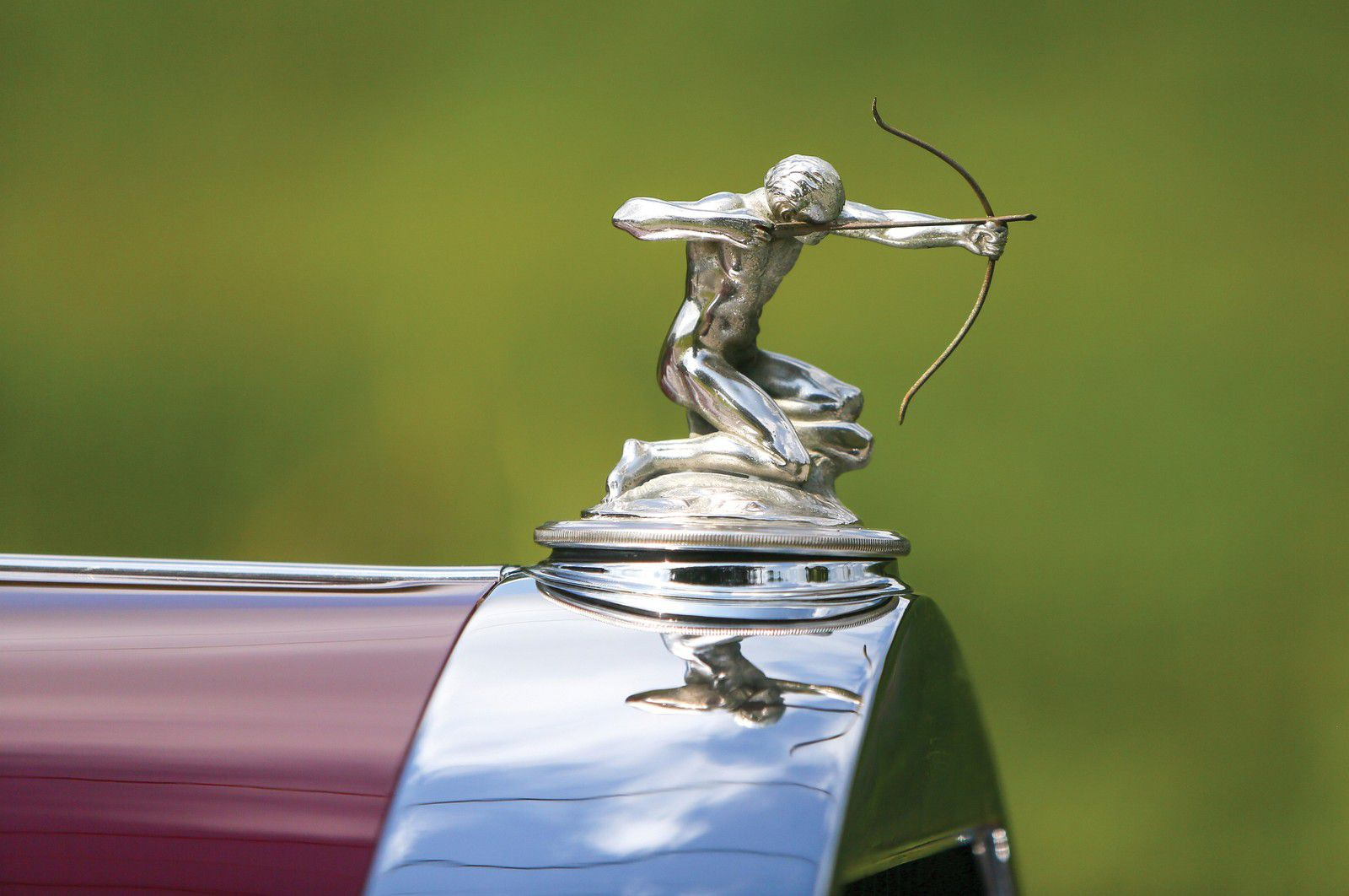 VOITURES DE LEGENDE (1179) : PIERCE ARROW  MODEL 43 5-PASSENGER SEDAN - 1931