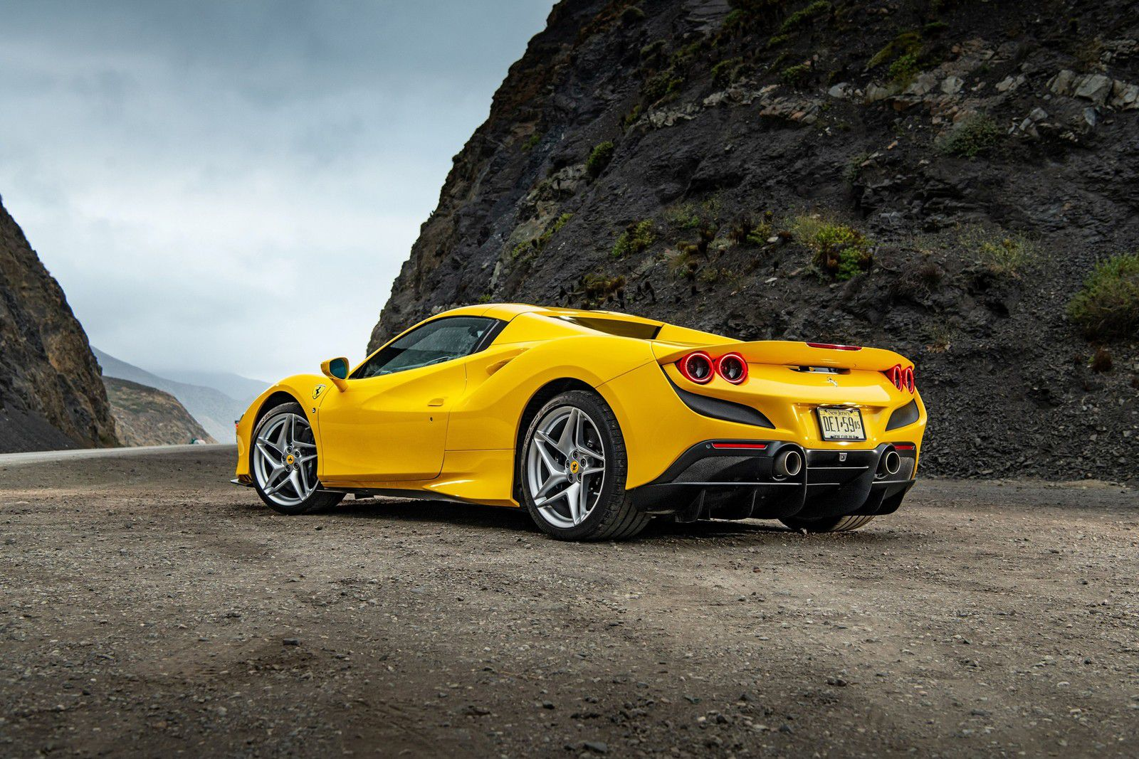 "VOITURES DE LEGENDE (1189) : FERRARI  F8 ""TRIBUTO"" SPIDER - 2020"