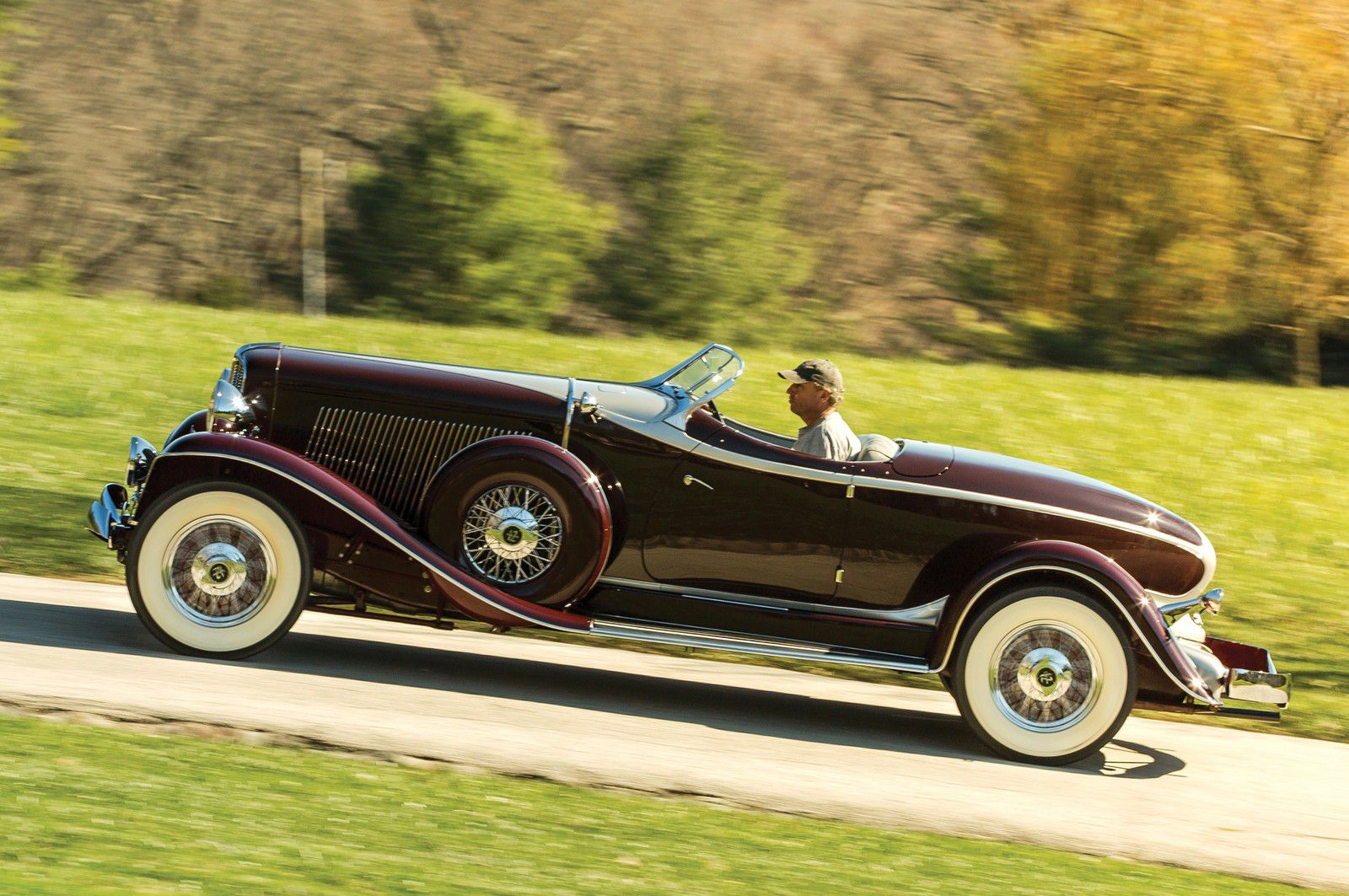 VOITURES DE LEGENDE (1197) : AUBURN V12 1250 SALON DUAL RATIO BOATTAIL SPEEDSTER - 1934