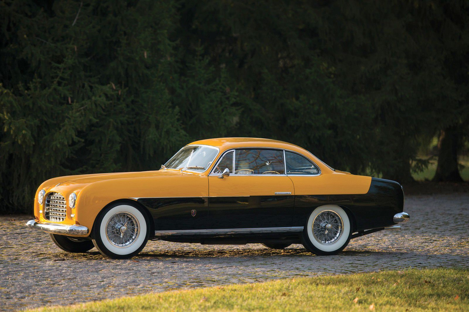VOITURES DE LEGENDE (1206) : FERRARI  212 INTER GHIA COUPE - 1952