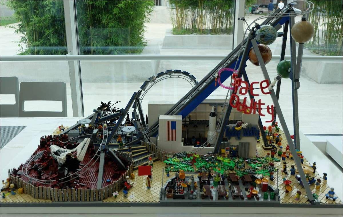 Un petit space montain en Lego ?