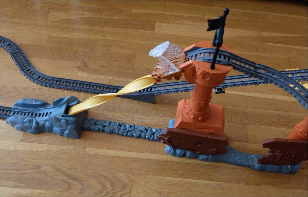 Thomas le train, un circuit renversant ! {Fisher-Price}