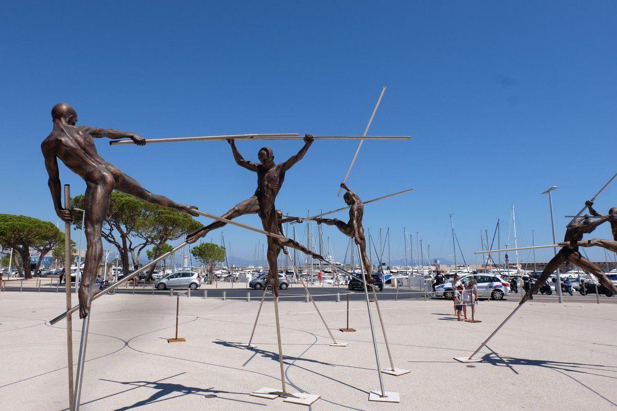 Balade artistique à Antibes : Nicolas Lavarenne & Jaume Plensa