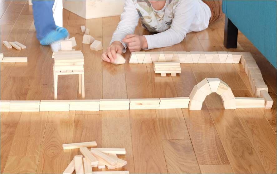 Jeu de construction en bois : vive les arrondis !