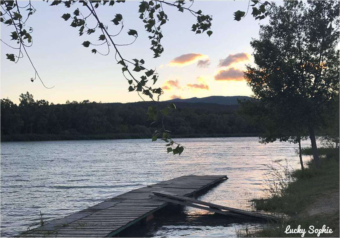L'un de mes moments favoris au camping Sunêlia : la balade du soir au bord de la Durance pour voir les couchers de soleil.