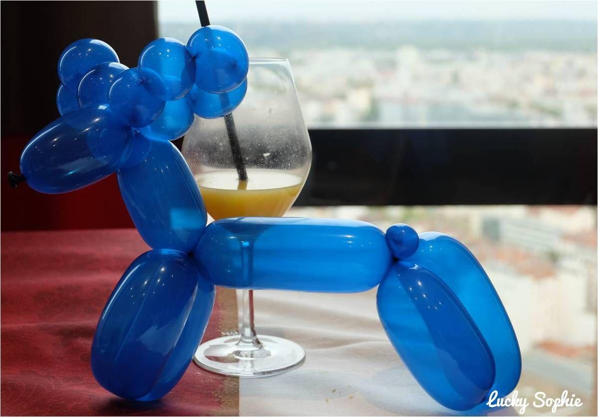 Jus de fruits et sculptures de ballons, une certaine définition du bonheur pour les enfants !