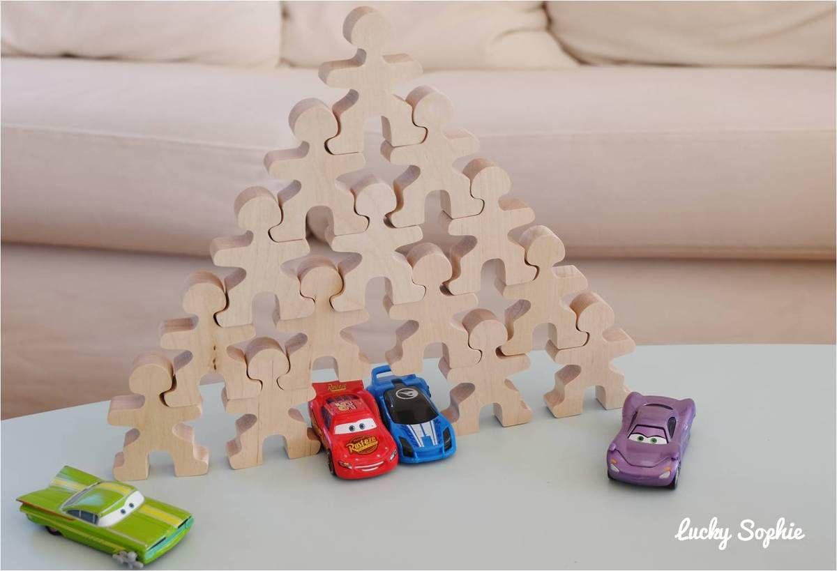 Les enfants associent les Flockmen à d'autres jouets et leur inventent plein d'aventures !