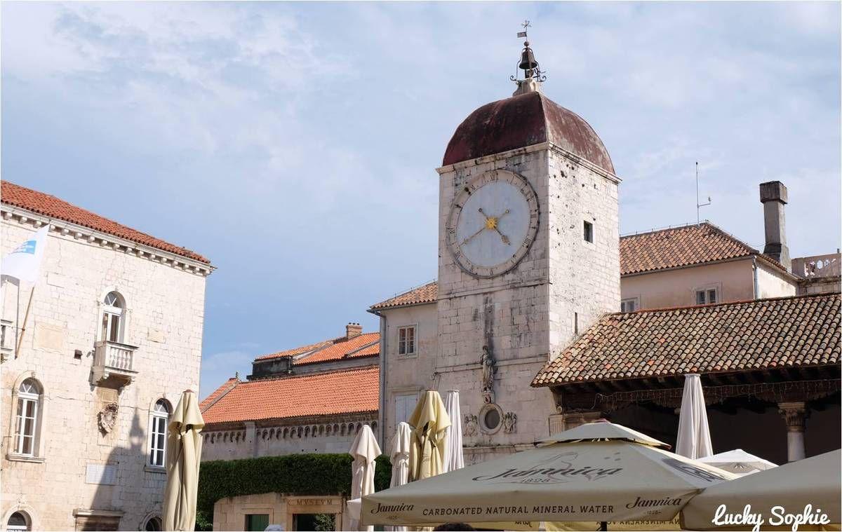 Trogir, jolie cité médiévale près de Split en Croatie
