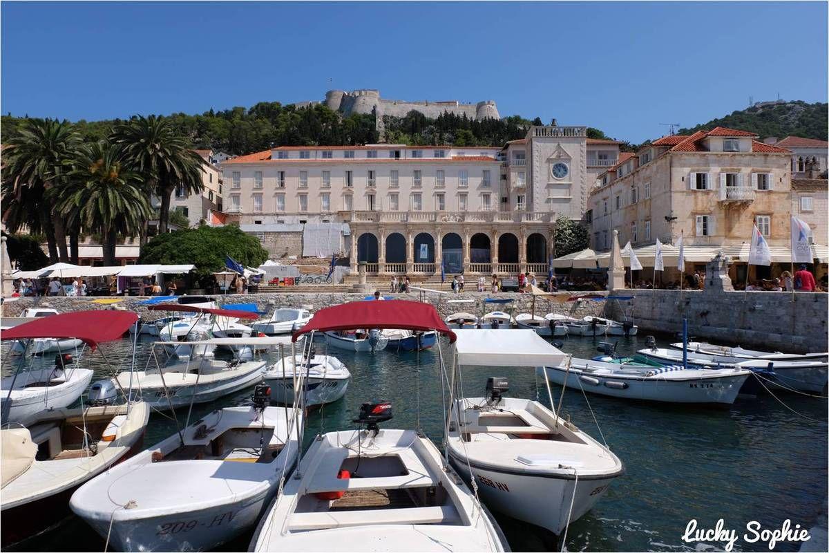 Hvar et les îles Pakleni en Croatie