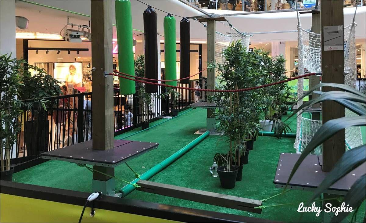 Les parcours aventure et Ninja sont installés place centrale au niveau 0 du centre commercial Part-Dieu.