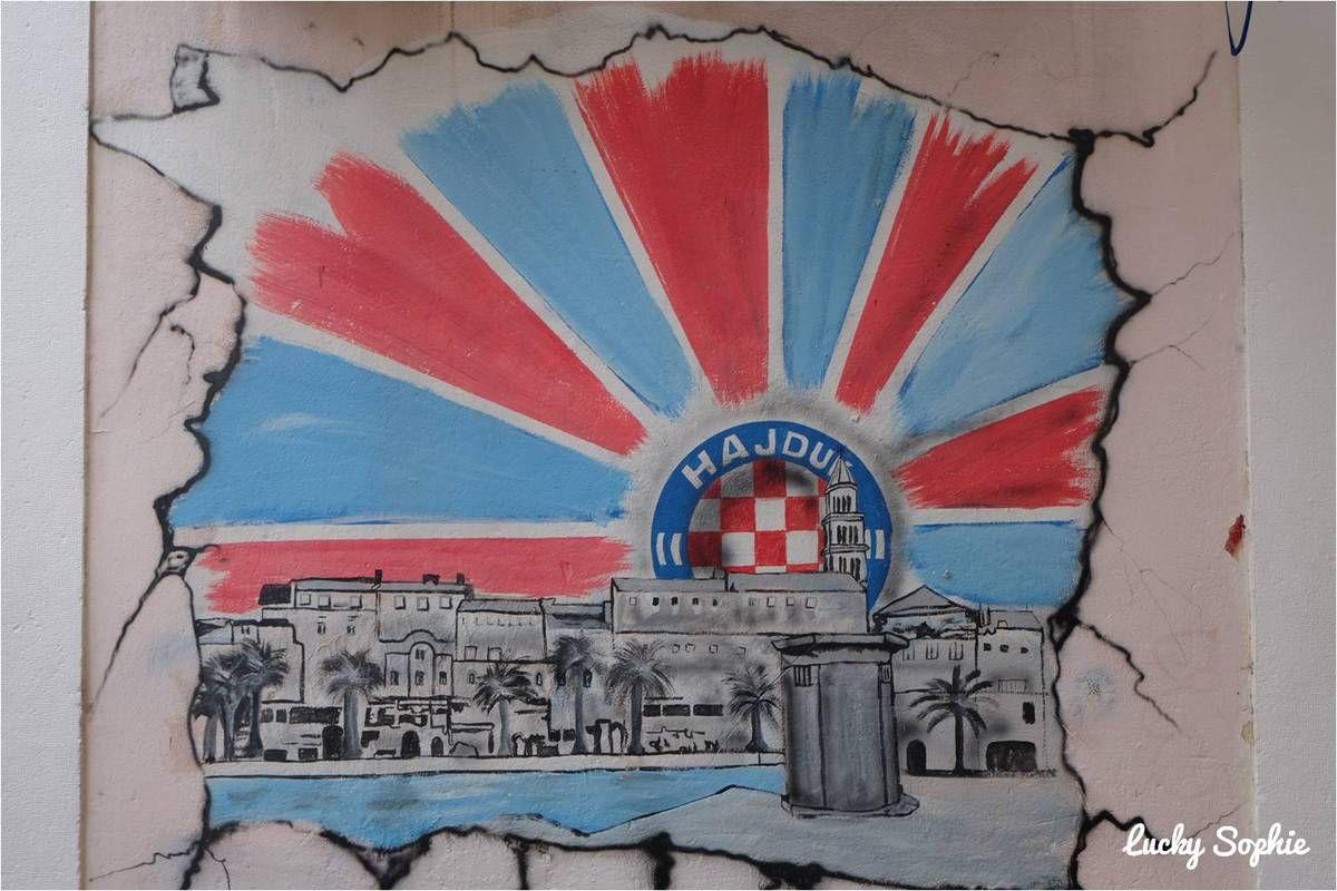 Partout dans la ville, on trouve des fresques à la gloire du club de foot, Hadjuk Split.