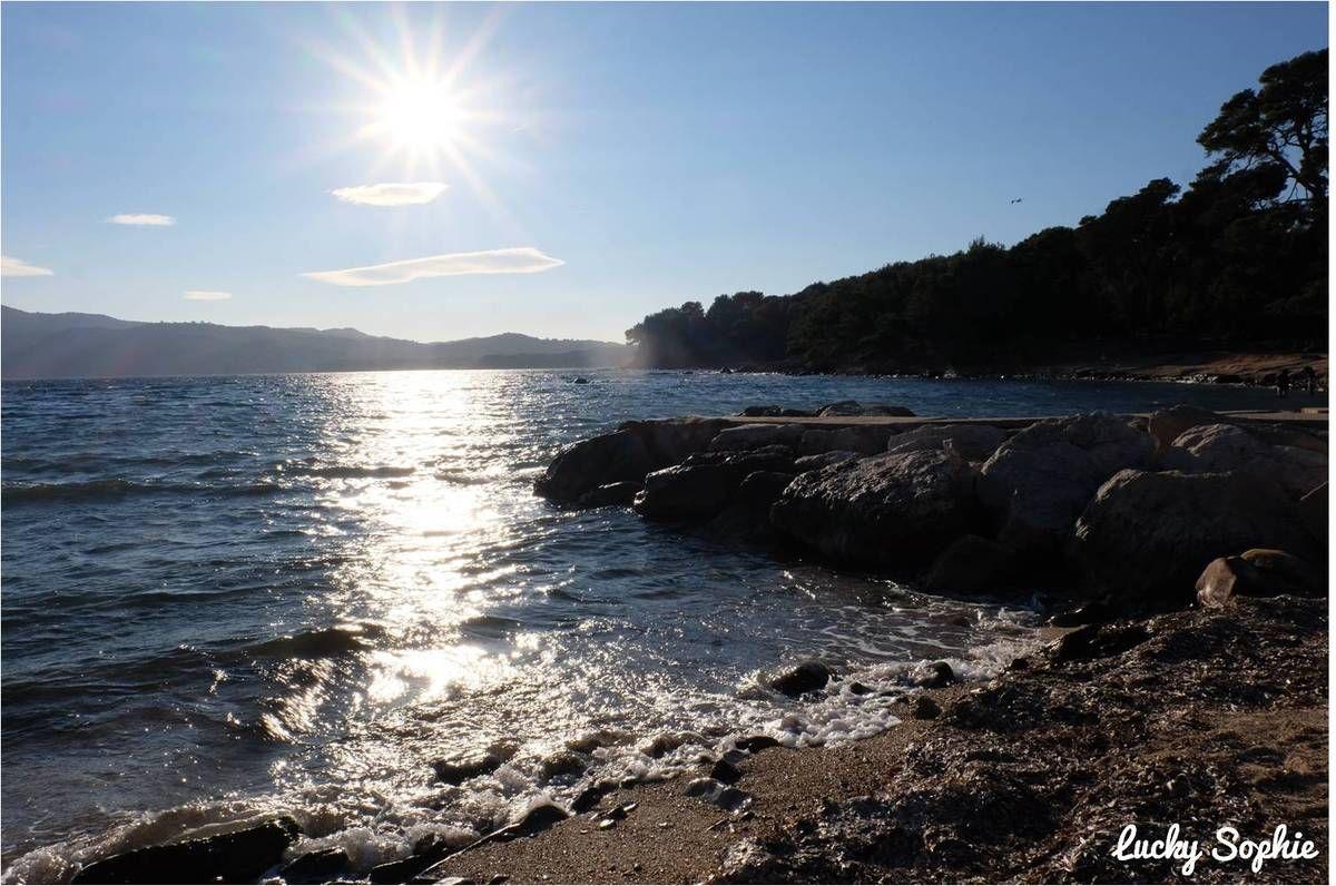 La jolie plage de Pin Rolland, juste en face de la résidence Nemea Cap Azur.