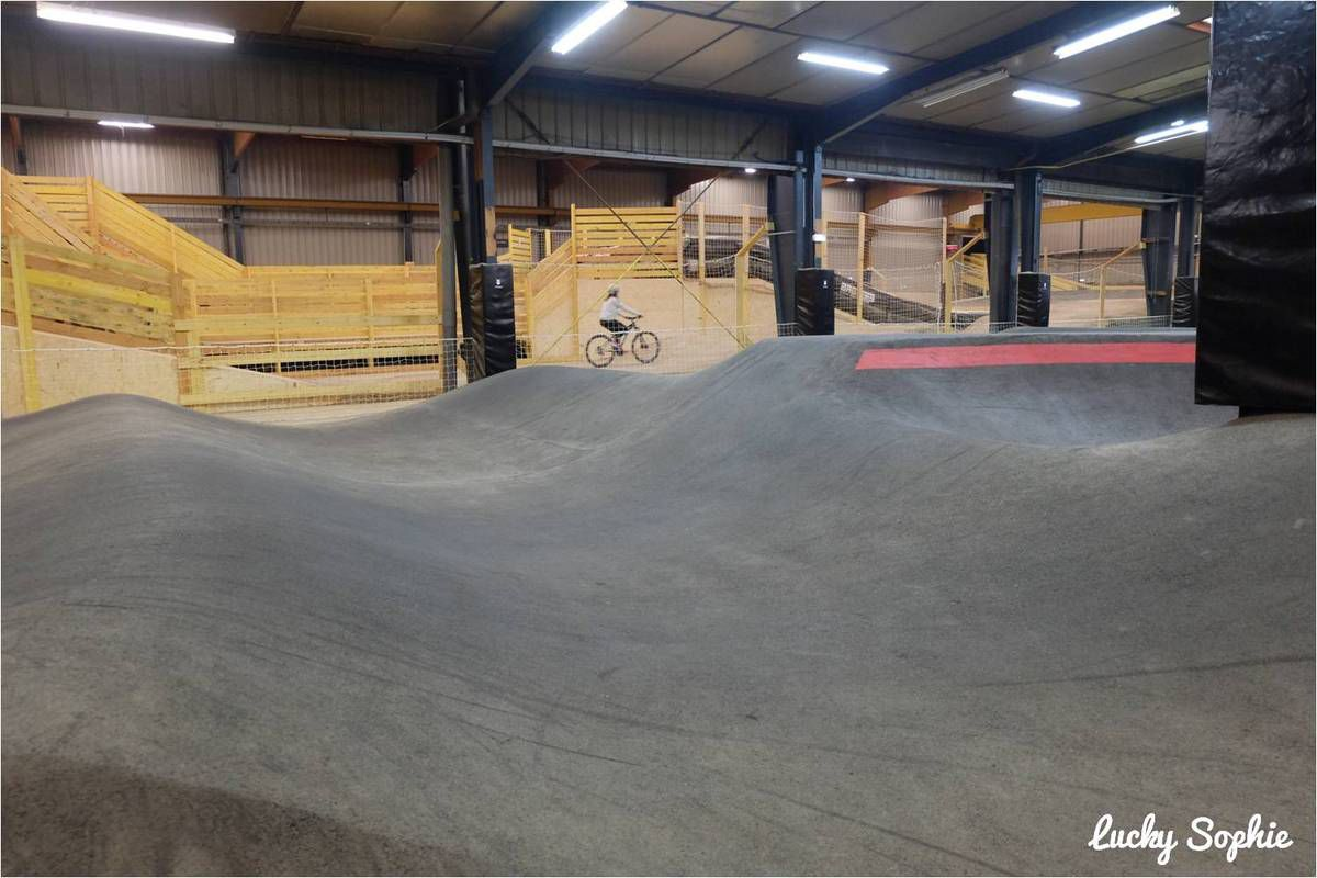 Weride lyon, super bike park indoor