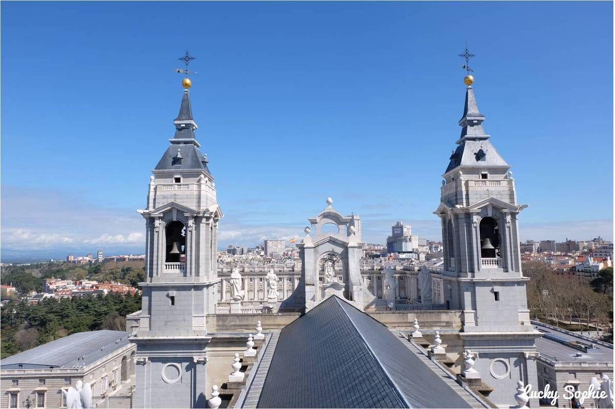 Sur le toit de la cathédrale de la Almudena