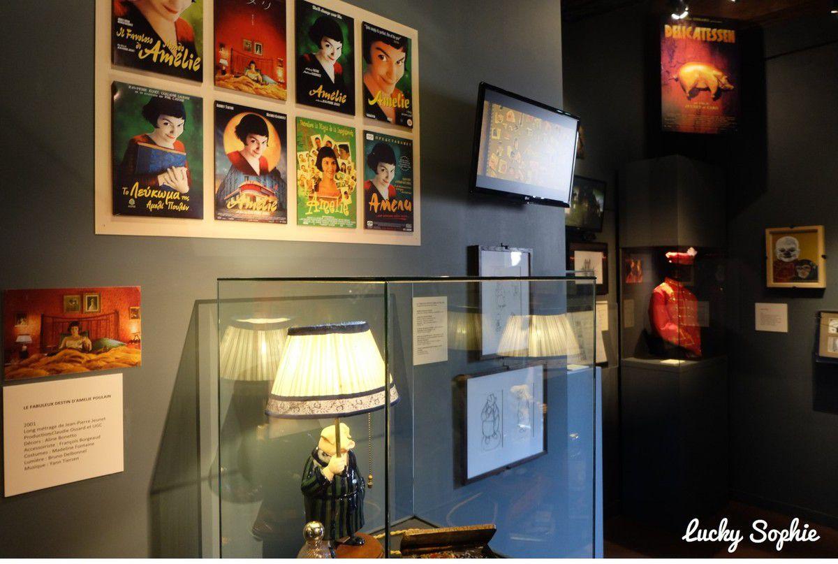 """La dernière exposition temporaire sur Caro-Jeunet où on s'est amusé à comparer les affiches du film """"Le Fabuleux destin d'Amélie Poulain"""" dans différents pays."""