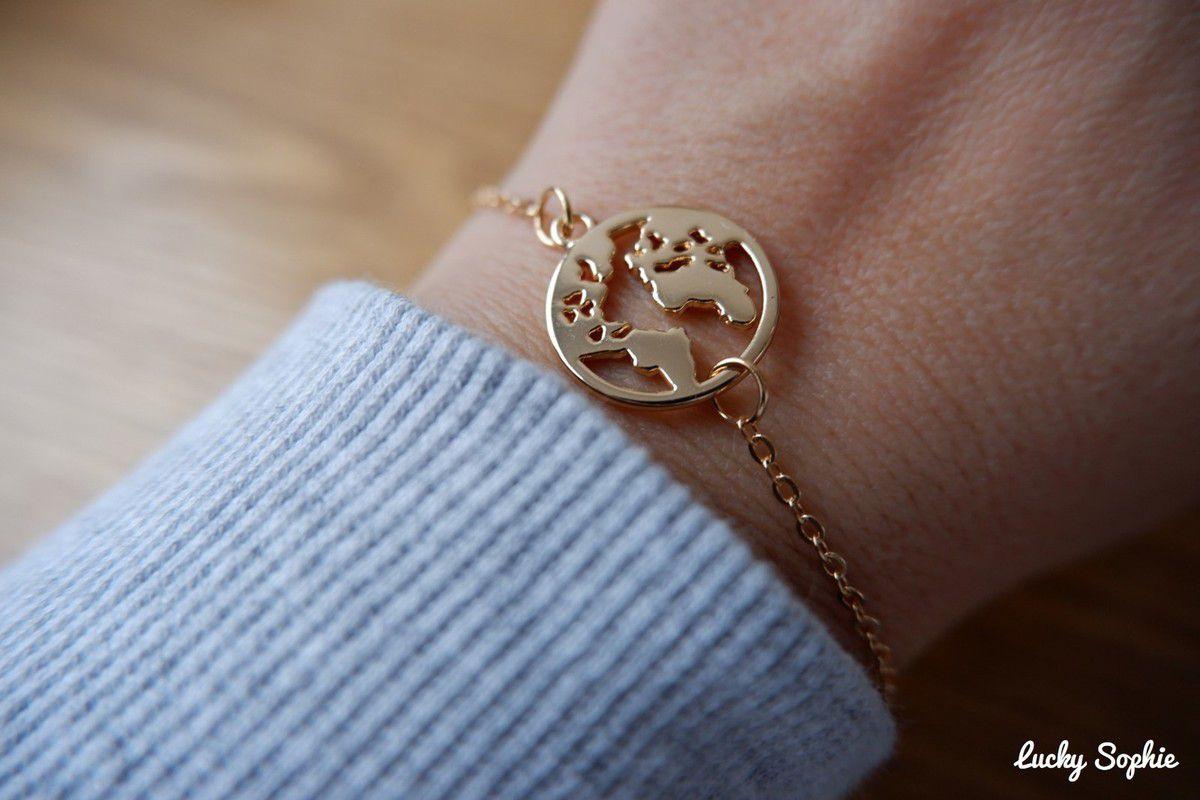 Je me suis-même offert un auto-cadeau gratuit ! Il suffisait de payer 1€ de livraison pour recevoir ce joli bracelet monde !