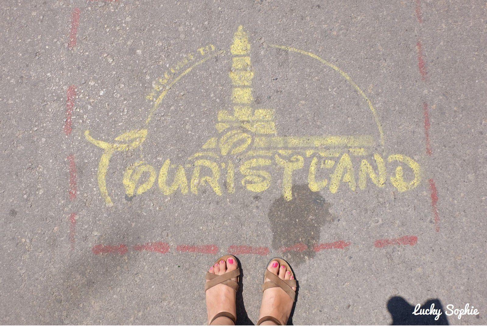 Un street art bien vu sur le port de La Canée où tous les touristes se pressent...