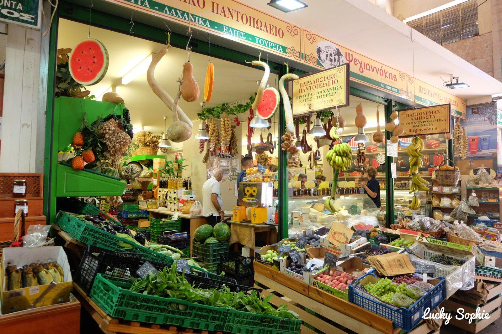 Nous avons fait des petites emplettes au marché de La Canée à la fois pour goûter aux spécialités et ramener quelques souvenirs !