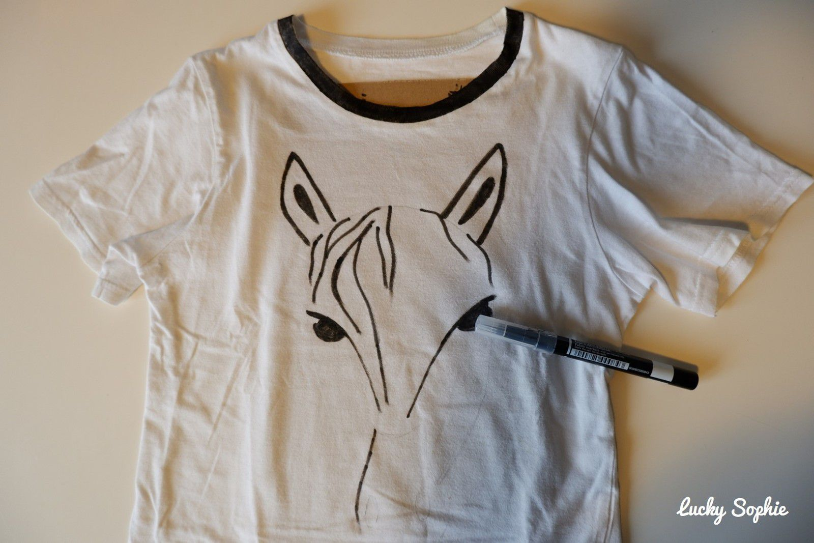 Customiser un tee shirt au feutre textile