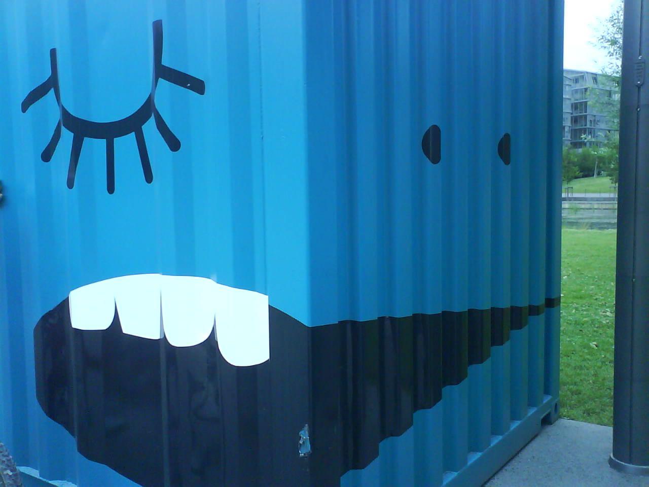 Lyon Confluence : grimper au cocotier et jouer dans des containers à moustaches !