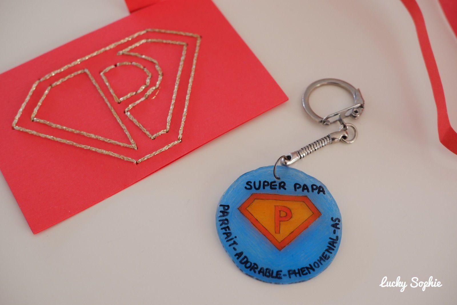 Cintre décoré Super Papa
