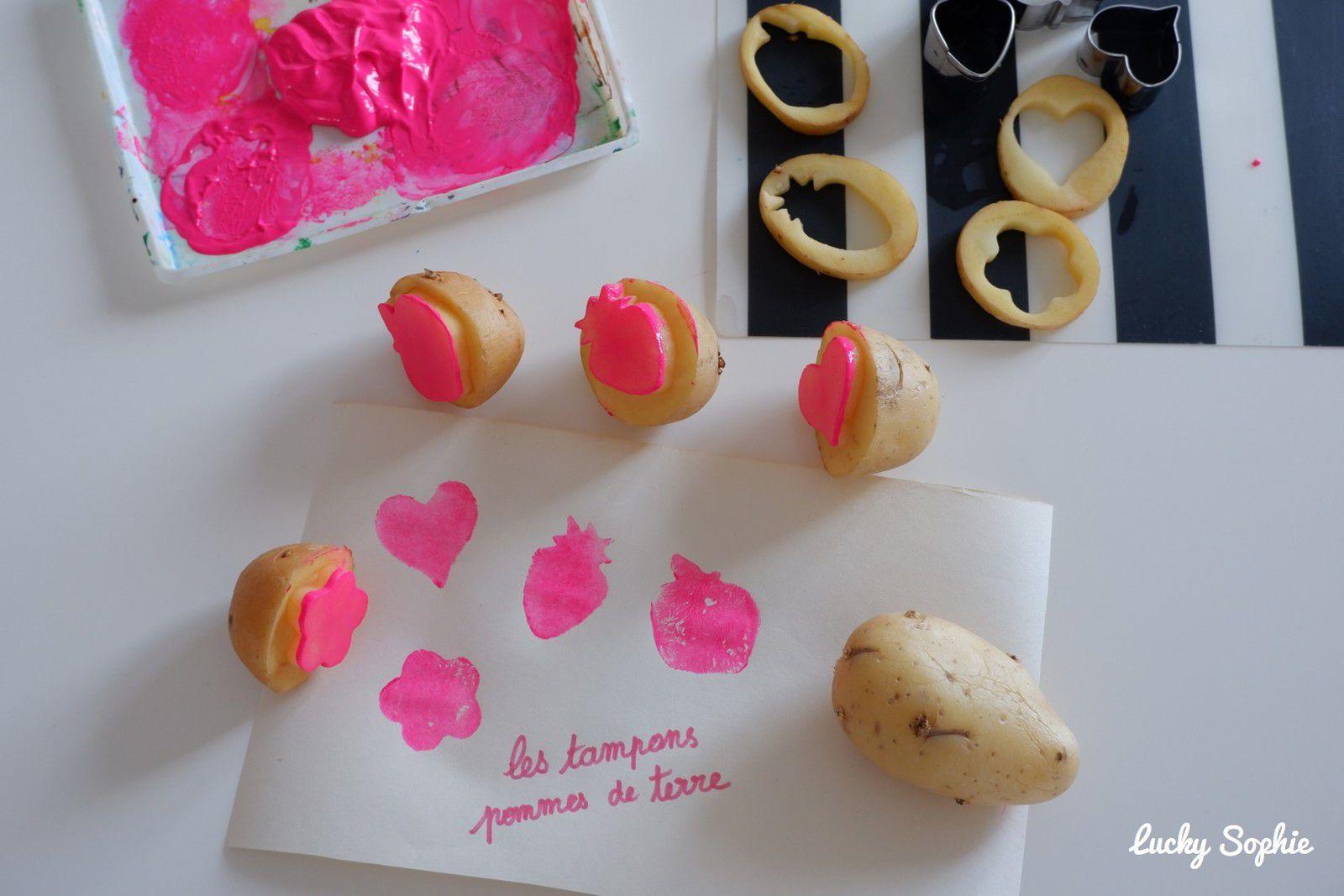 Peindre avec des pommes de terre en guise de tampons !