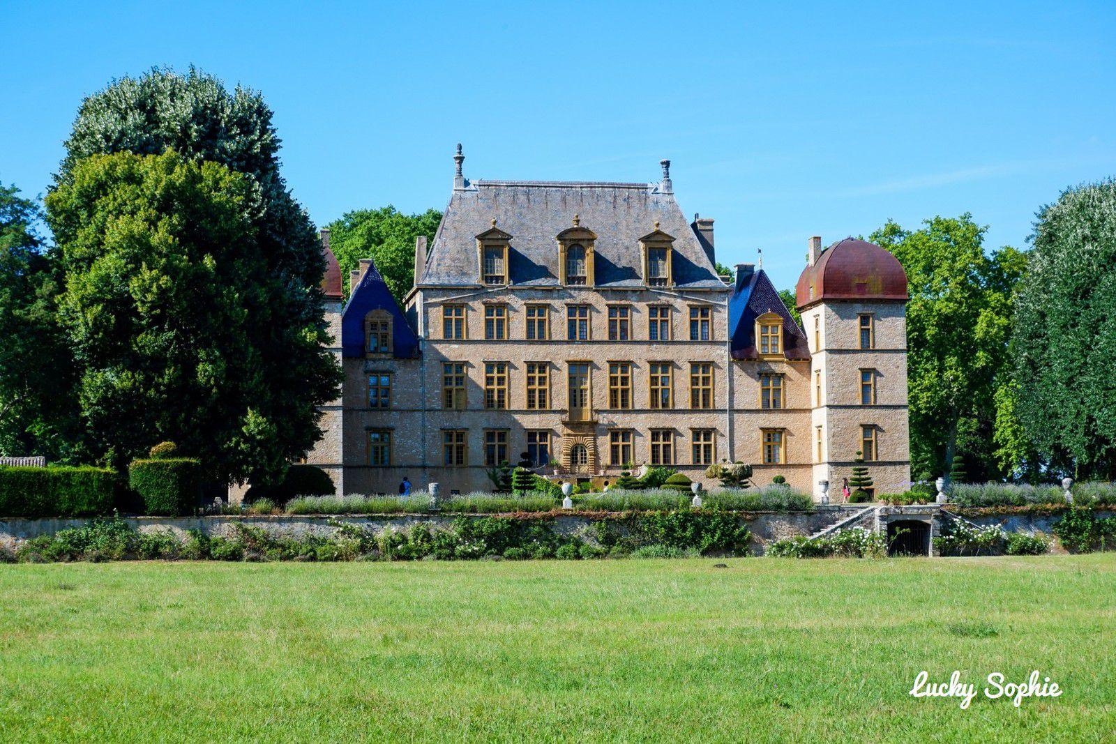 Le château de Fléchères à 30 km de Lyon