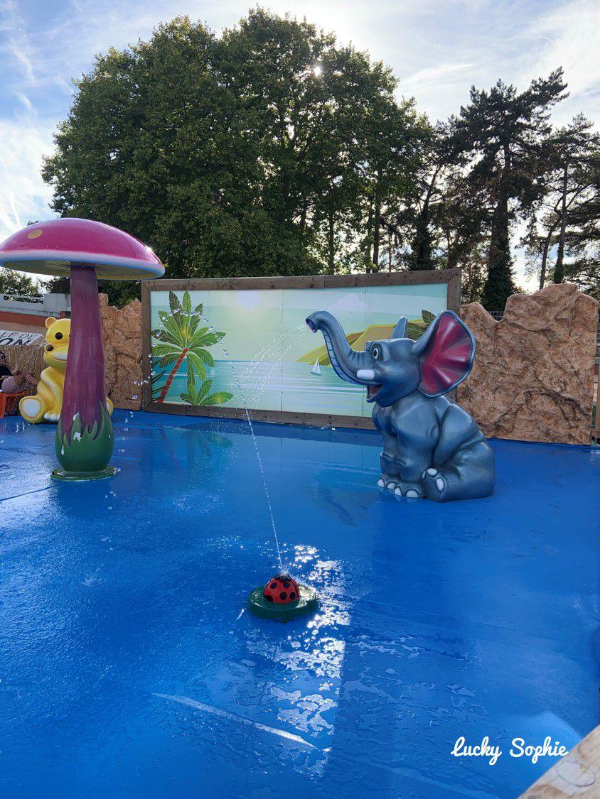A la piscine éphémère du parc de la Tête d'Or