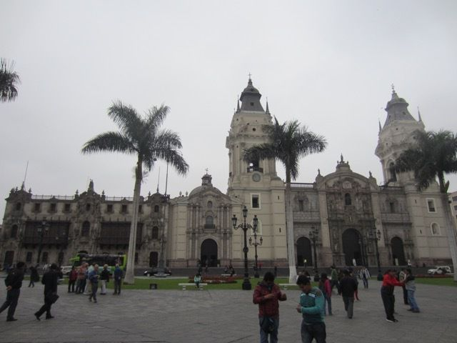 Plaza Mayor, la cathedrale de Lima