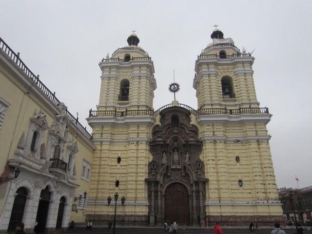 la basilique Saint-Francois-d'Assise, appreciée par les pigeons