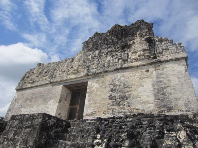 le 'temple' au sommet de Temple II