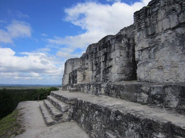 au sommet du temple 216