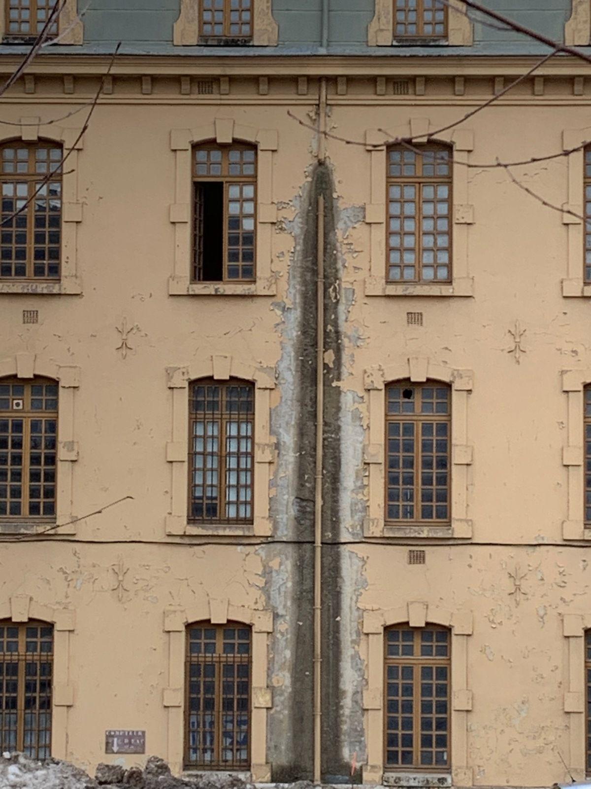 """Mais si, la ville de Briançon est en""""ruine"""""""