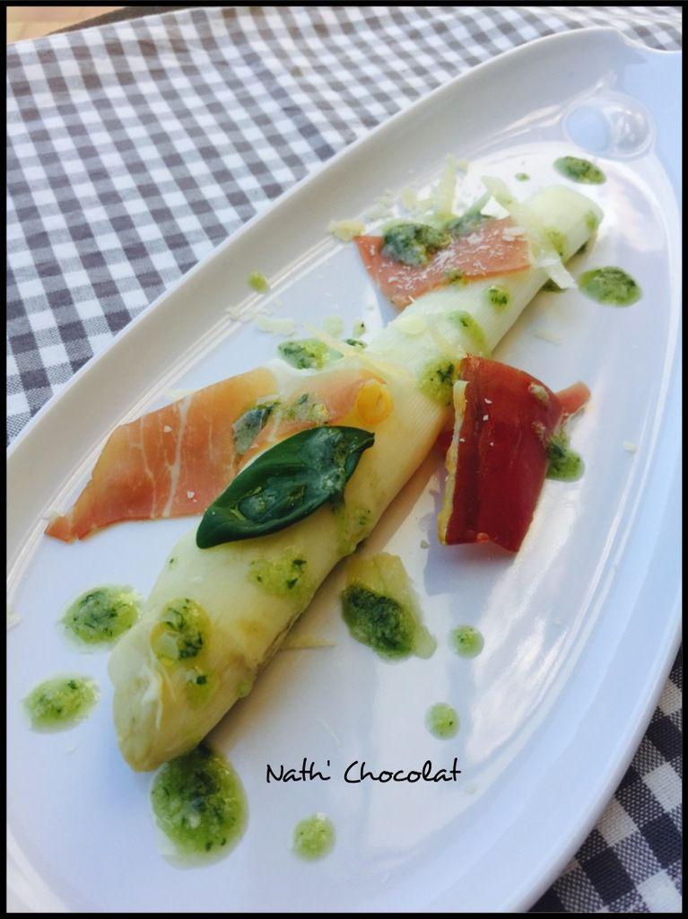 Asperges, basilic, parmesan et jambon cru