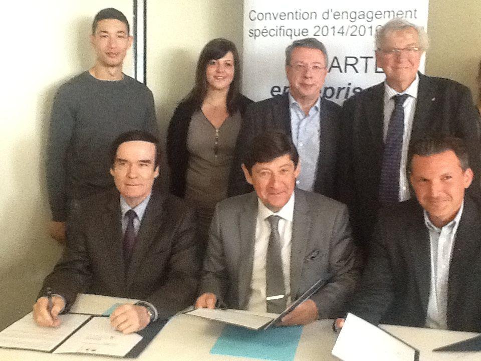 Charte Emplois et Quartiers à Auchan-Leers avec le Ministre !