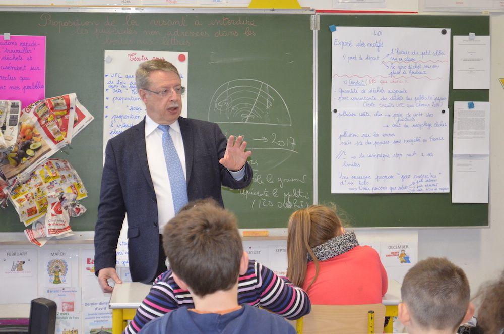 A l'école Lavoisier de Roubaix, pour le Parlement des enfants