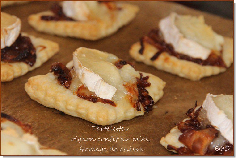 Tartelettes oignon confit/chèvre et pesto/tomate/mozza pour les apéros sur la plage (ou à la maison...)