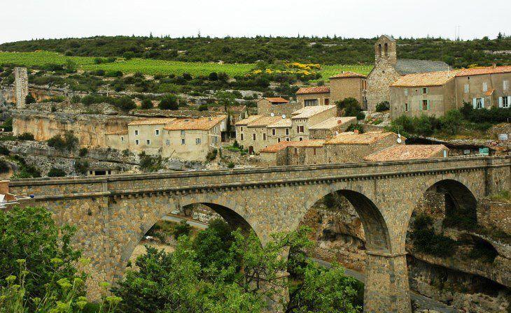 Village de Minerve. Photo M. CRIVELLARO