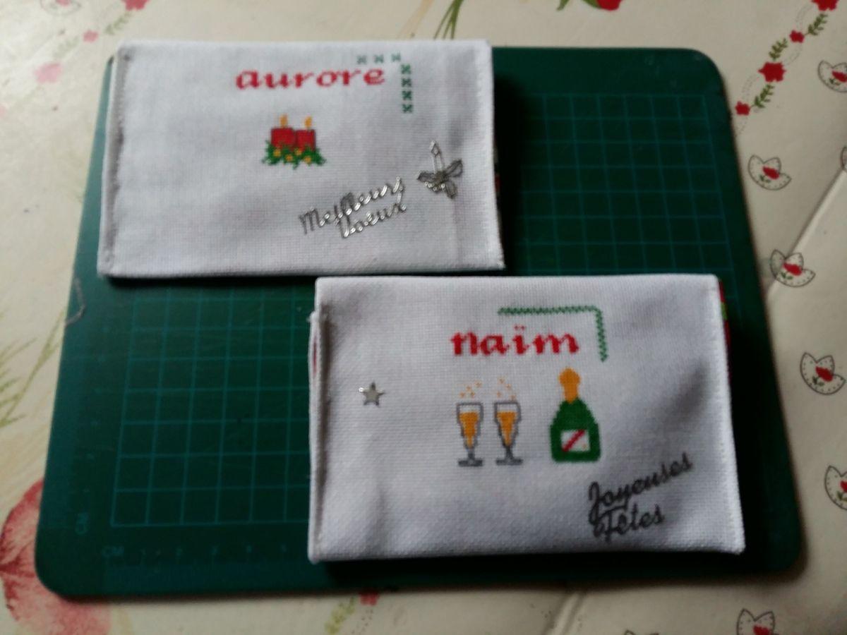 Et les 6 petites enveloppes brodées pour le Noël  de mes enfants.Avec une belle surprice à l interieur