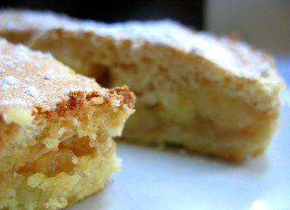 Sablé breton, pommes flambées ,dacquoise  noisette