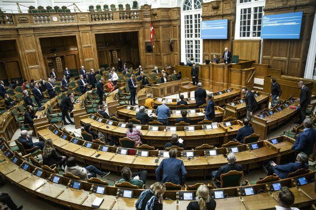 Le parlement danois vote à l'unanimité une loi d'urgence contre le coronavirus