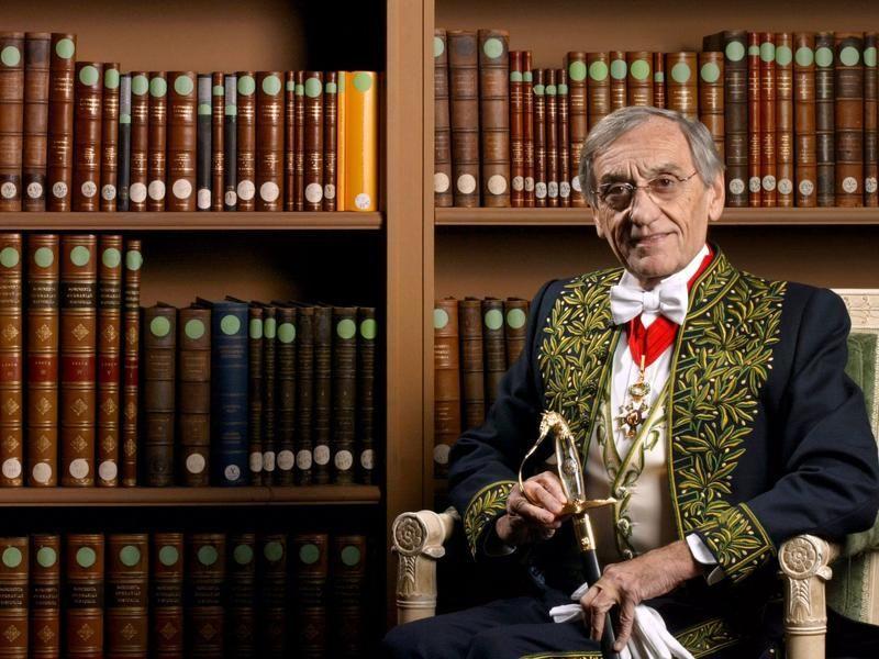 l'écrivain et académicien Yves Pouliquen