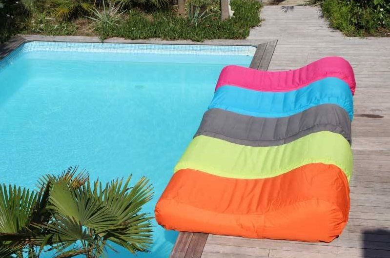 poufs_geants_bords_de_piscines_design