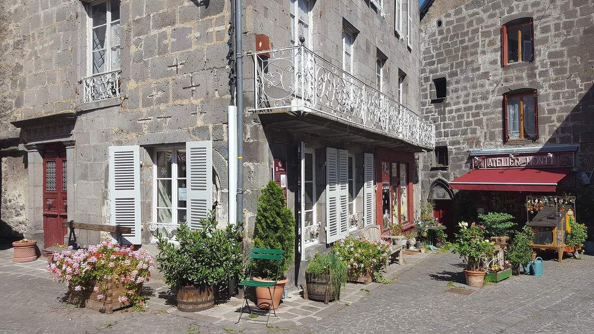 visiter_villages_massif_du_sancy_besse_en_chandesse