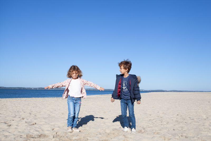 shooting photo avec des enfants à la plage sur Arcachon