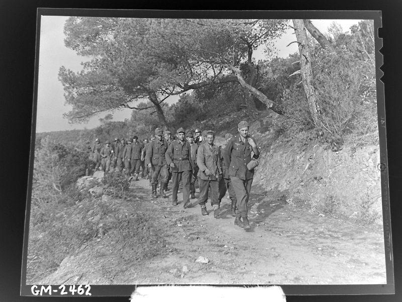 Prisonniers allemands faits sur l'île du Levant par la FSSF. Source : http://sudwall.superforum.fr