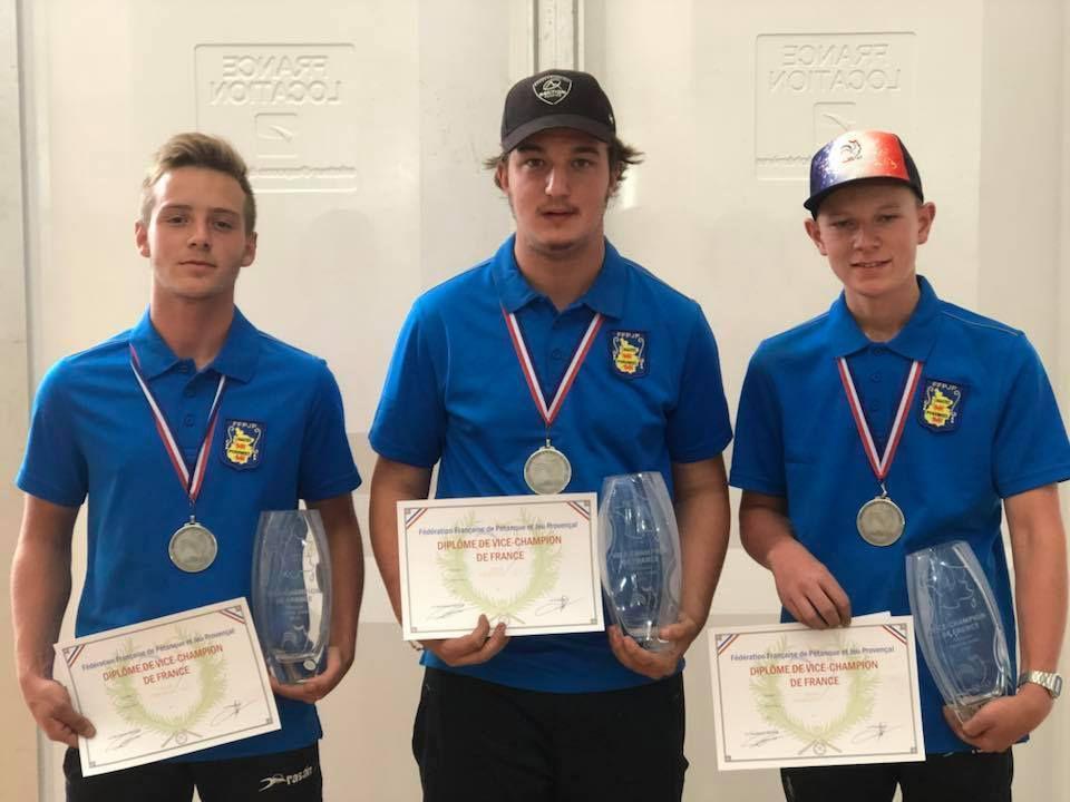 Dylan JANDRAS (TCB) – Lucas PEREZ (LECUSSAN) – Loïc MARESSE (MARQUISAT) – Vice-Champions de France 2018 dans la catégorie « juniors »