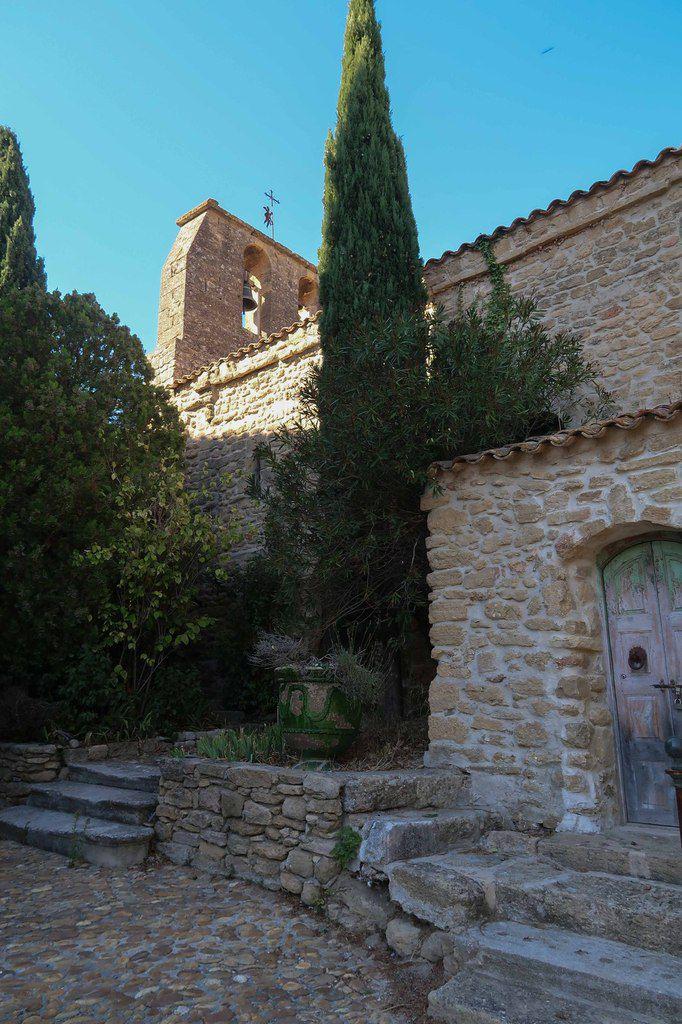 Découverte, pour la majorité d'entre nous, d'un village provençal typique et de son histoire . Merci à notre historien préféré !